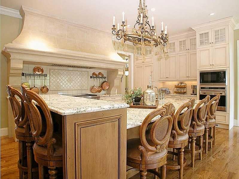 3732 Pintail Circle Gainesville, GA 30506   Custom Kitchen