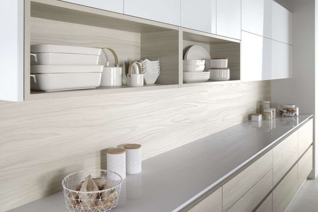 Burbidge's Otto Kitchen in Bleached White and Gloss White - Bleached Walnut Splashback