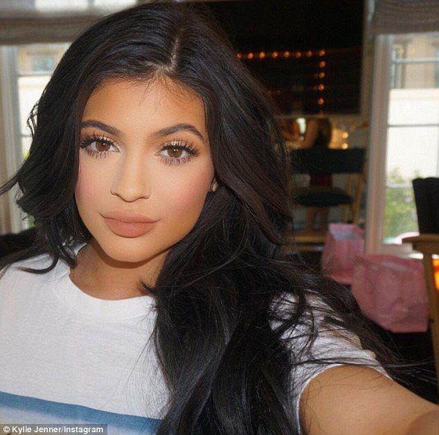 Znalezione obrazy dla zapytania kylie jenner makeup maquillaje - maquillaje natural de dia