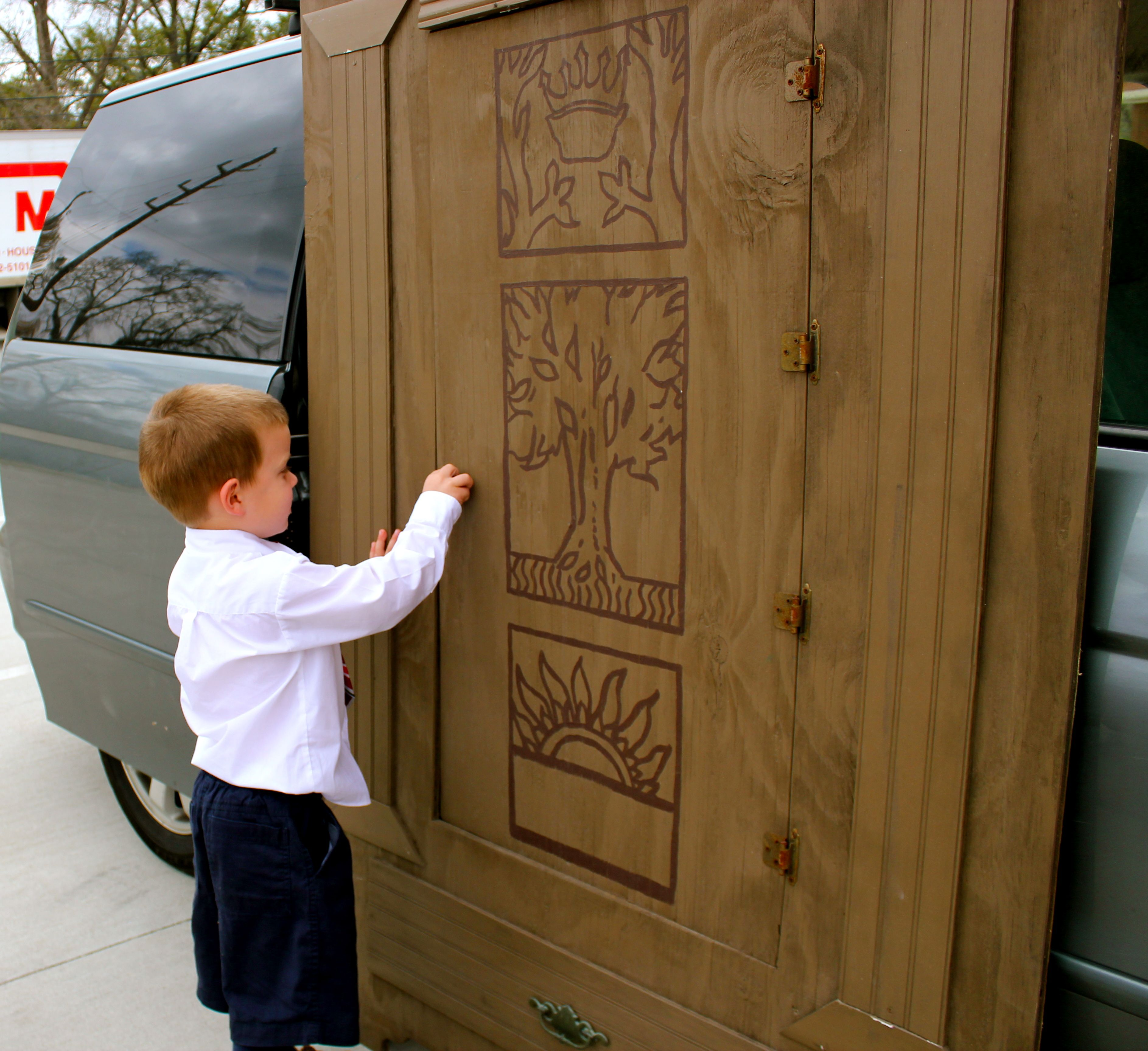 The Lion, The Witch, and The Wardrobe Narnia wardrobe