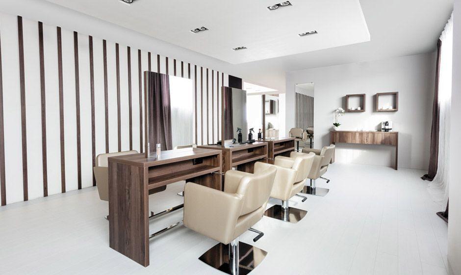 Chic studio pensamos en espacios proporcionados con acabados impecables donde empezar el d a - Studio barcelona muebles ...