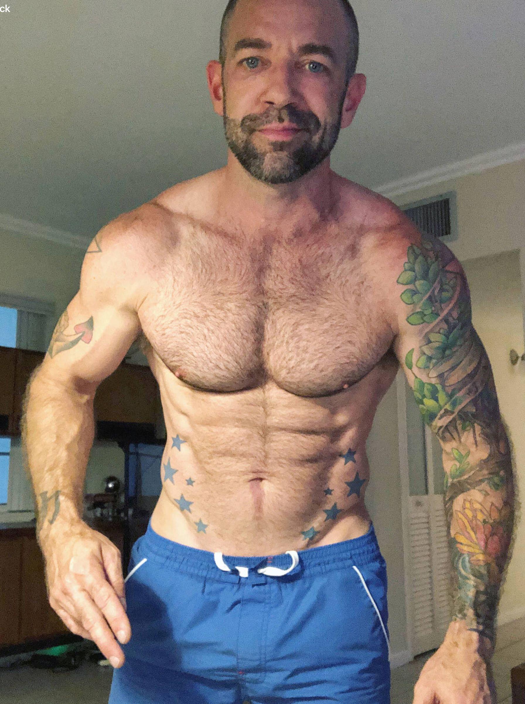 pinethan chance on mature sexy men   pinterest   mature men and