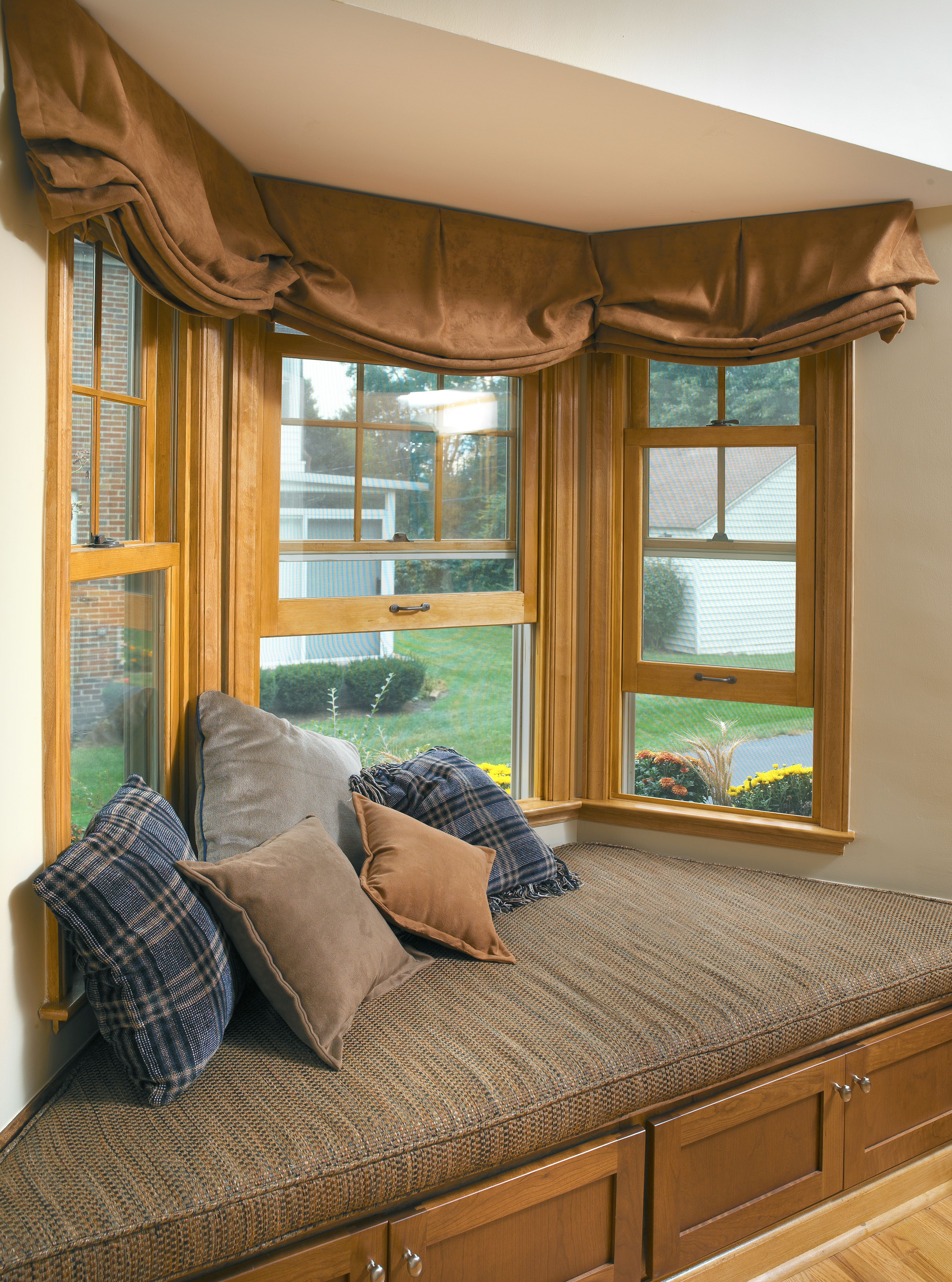 This Bay Window Used To Hold The Dinette Area With The New Kitchen Addition This Space Was Converted To A Cozy Window Seat Home Bay Window Design New Homes