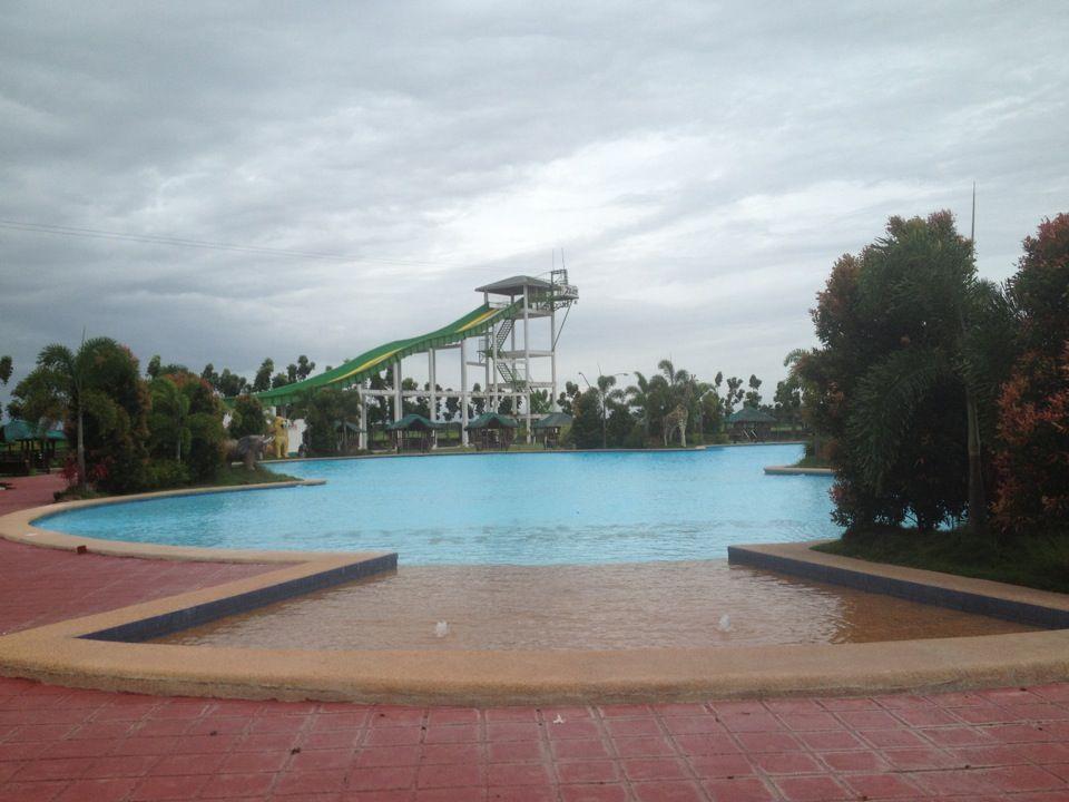 Crystal Wave Resort Hotel And Restaurant In Talavera Nueva Ecija