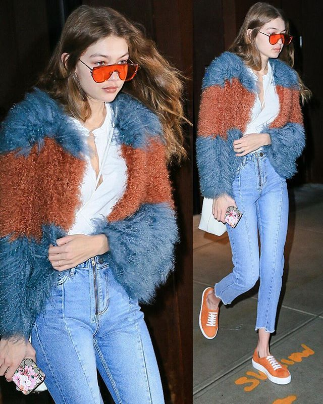 January 18: #Gigihadid leaving her apartment in NYC  For More HQ pictures: Myqueengigi.tumblr.com💟🌼