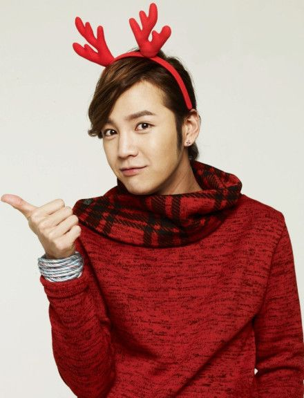 All I want for Christmas is this 'reindeer' <3 #JKS