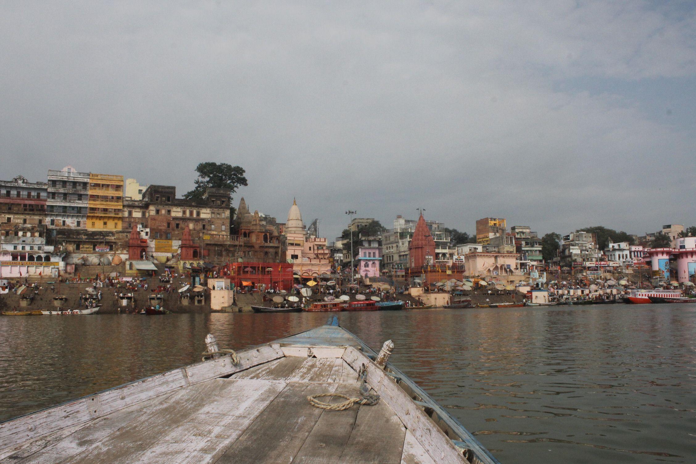 Vistas de los Ghats desde la barca