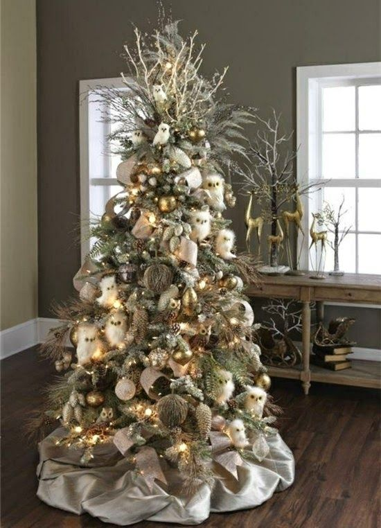 Decoracion Del Arbol De Navidad En Color Marron Y Beige