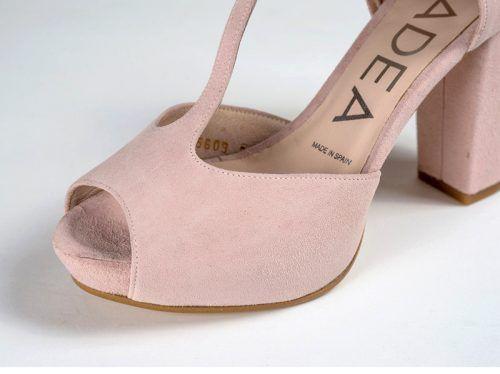 9023e33b Sandalia de novia hechas en ante de color rosa nude   shoes in 2019 ...