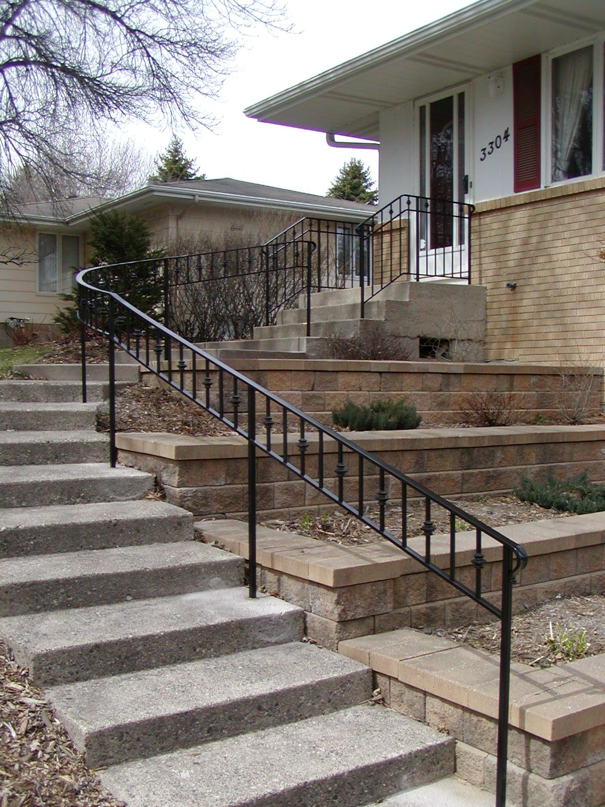 Best Curved Iron Step Railing In 2019 Exterior Stair Railing 400 x 300