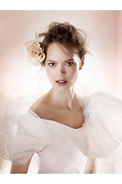 How to plan the ultimate english wedding vogue wedding florists how to plan the ultimate english wedding do it yourselfwedding solutioingenieria Images