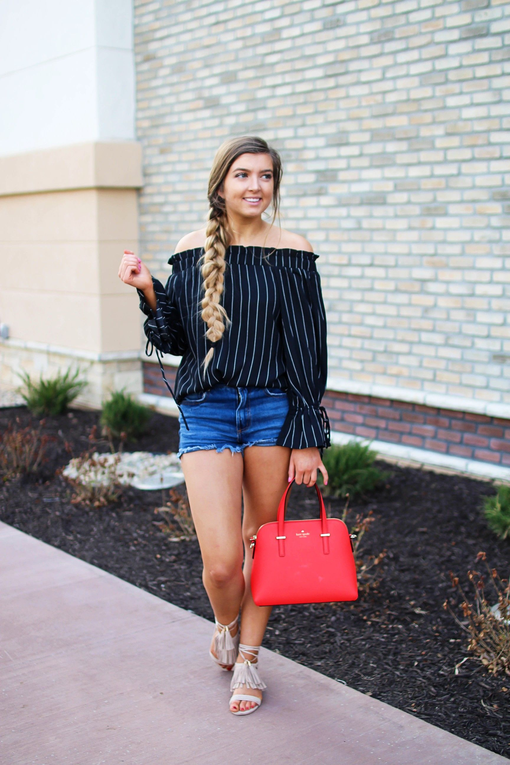 81e2eef5ad17b The cutest black striped off the shoulder top paired with jean shorts and a  red Kate