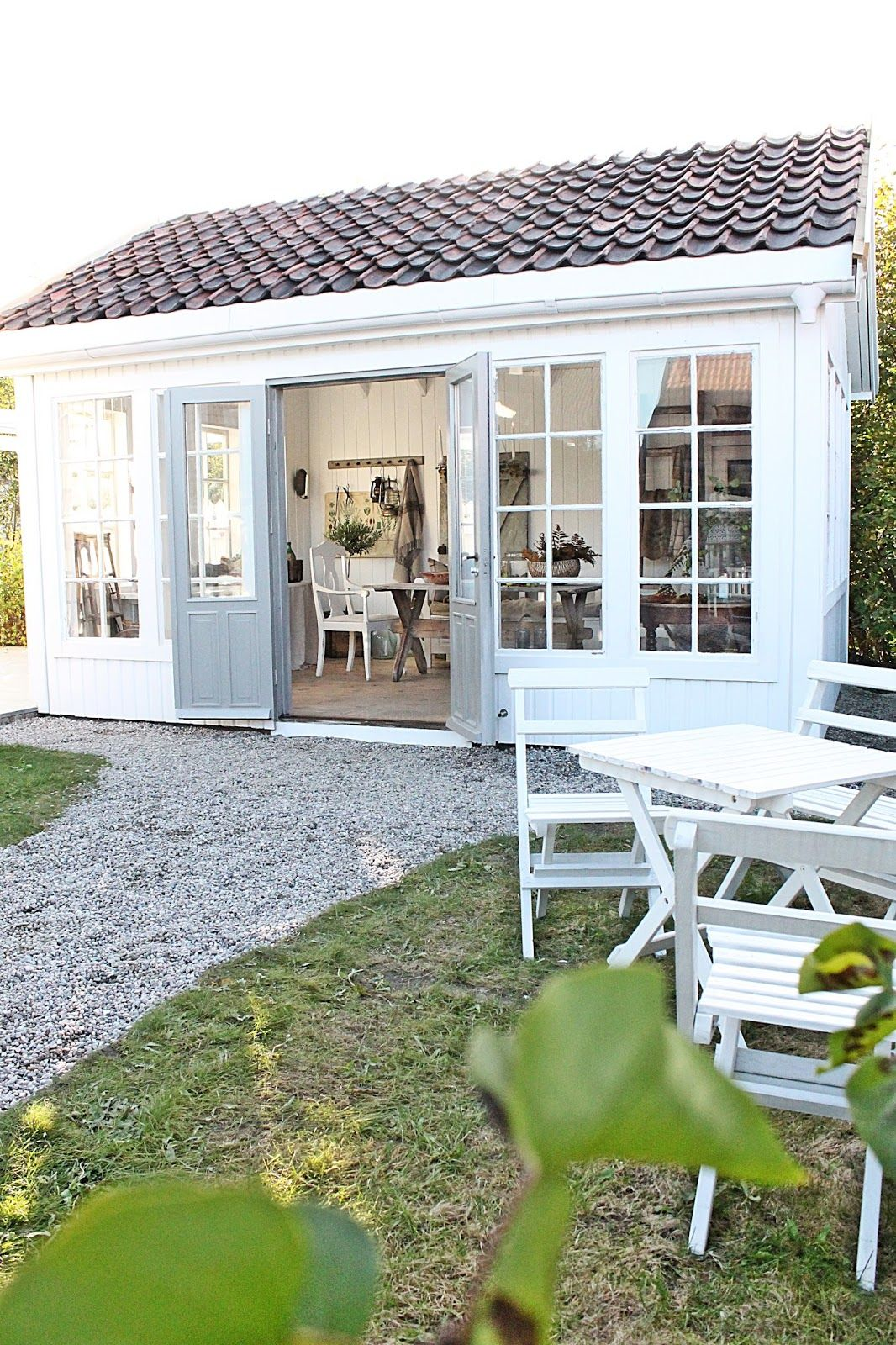 Vibeke design houses cottages tiny spaces for Cottage haus bauen