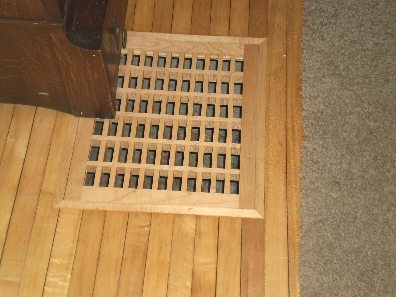 flush mount vent in red oak from gratevents