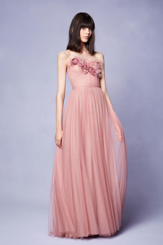 Marchesa Resort 2018 Fashion Show | Rosas rosadas, Armario de y Alta ...