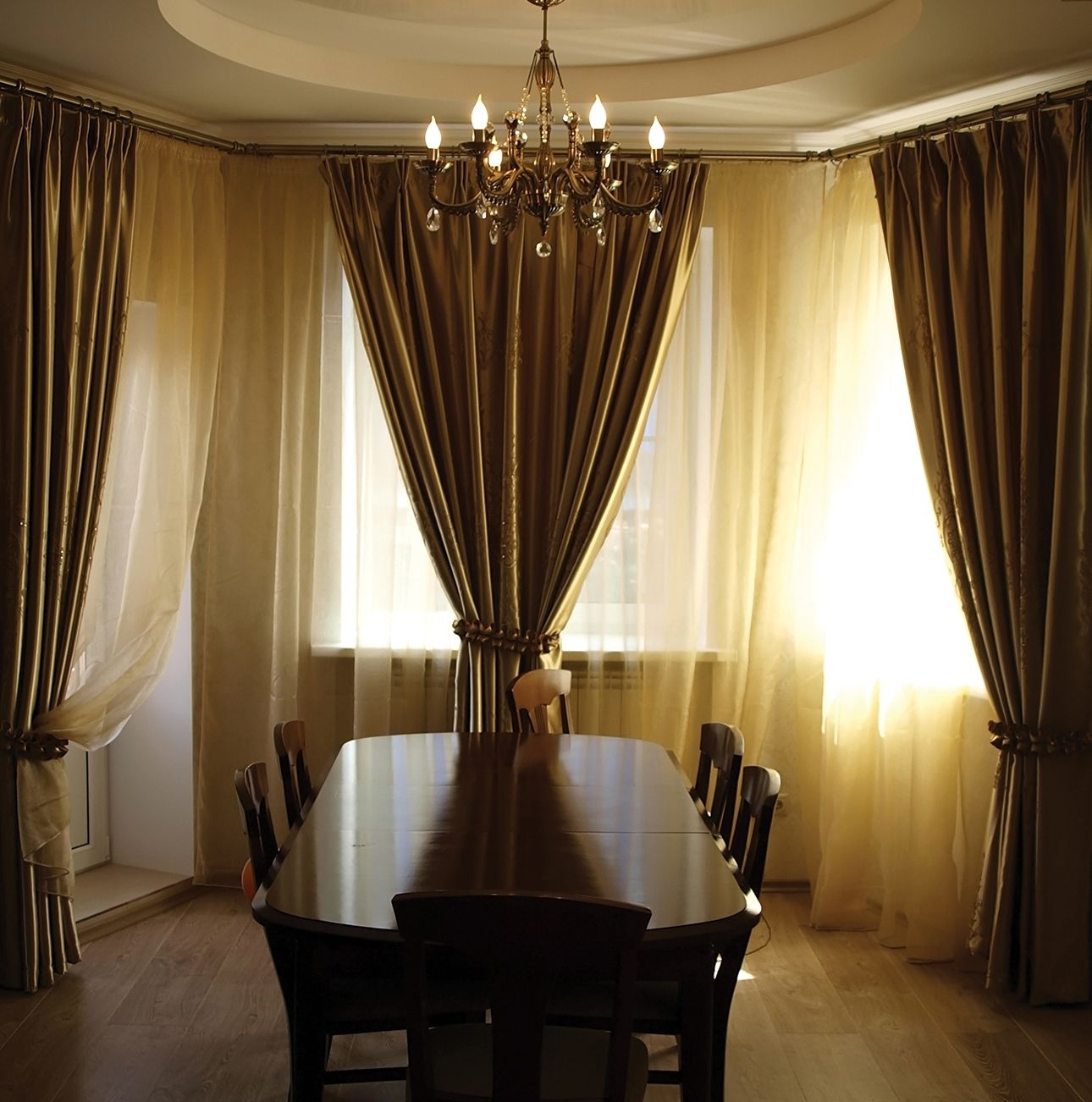 Tuscan Curtains As Window Treatments Bay Window Curtains Bay