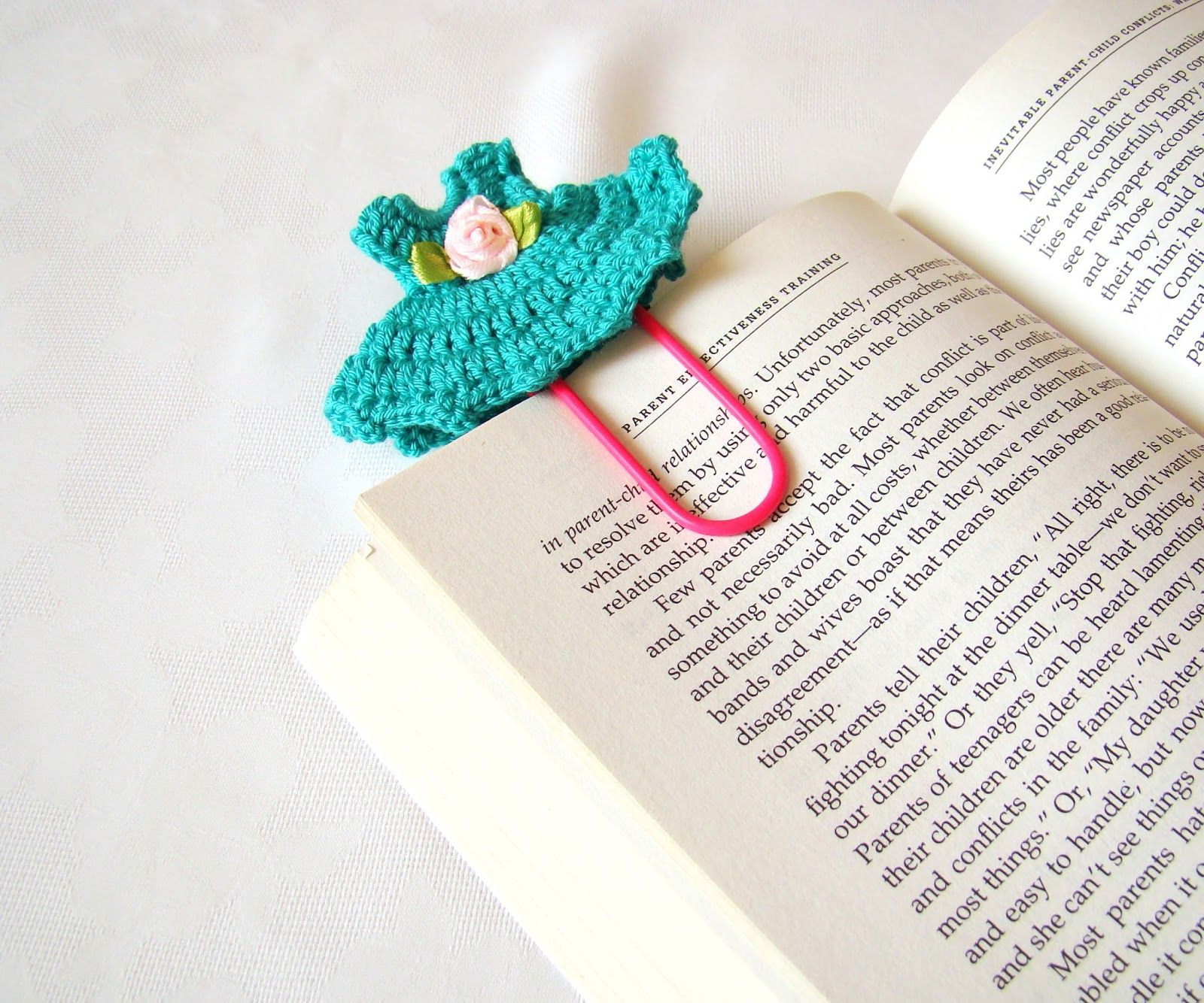Crochet Bookmark Pattern ~ Pure Craft FREE PATTERN | CrochetHolic ...