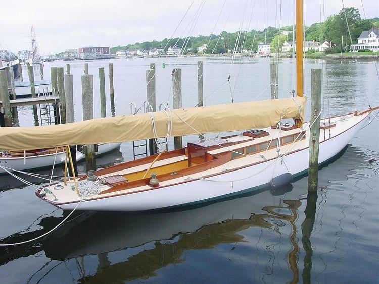 Herreshoff classic sailing boat yacht boat