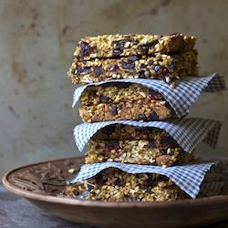 Road Trip Food!  Dark Chocolate and Dried Cranberry Granola Bars... trying to eat healthier while on the road!