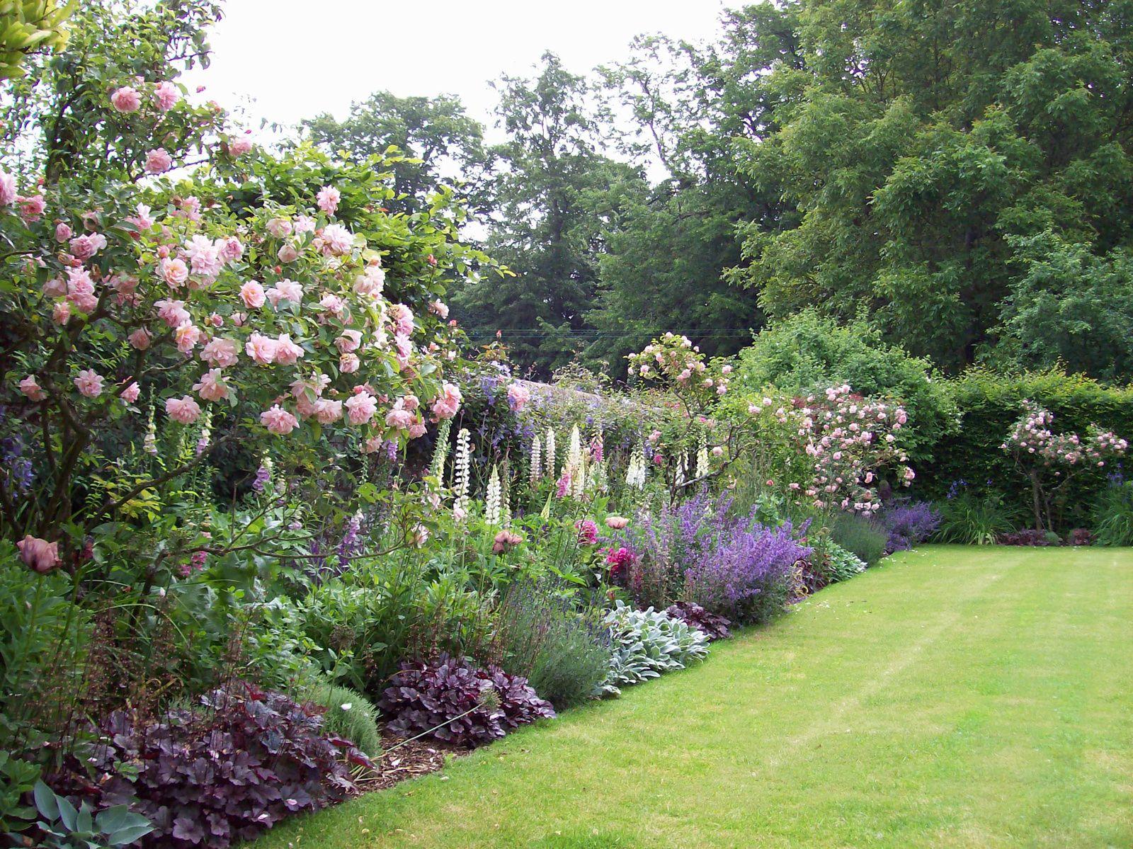 853650624e2c89aa100_0420copy.jpg Farmhouse garden