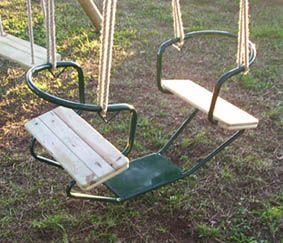 Silla doble de metal y madera para los columpios for Sillas para parques