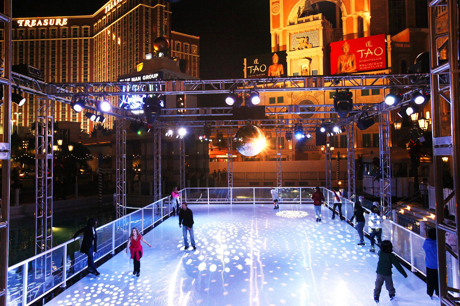 Ice Skating Comes To The Desert Later This Month As Cosmopolitan And Venetian Bring Winter Pastime Las Vegas Strip