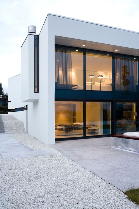 Maison archi cube - Noir et blanc - conduit cheminée   Maisons ...