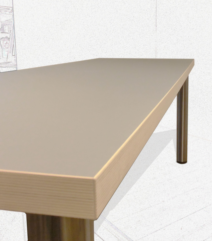 Tisch mit braunem #Linoleum. www.regaltischlerei.de ...