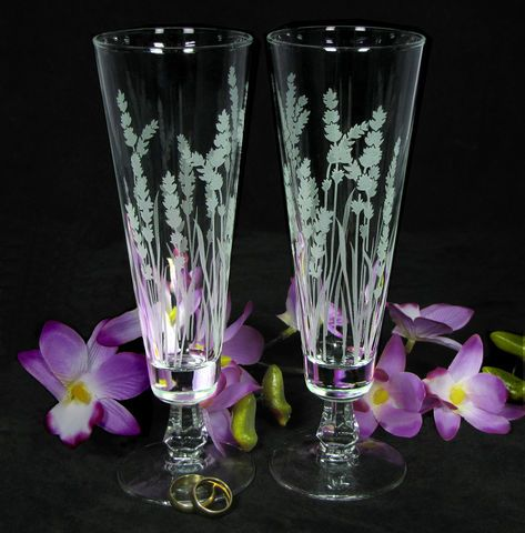 Lavender Wedding Decor, Personalized Toasting Flutes, Etched Glass Gift for Couple
