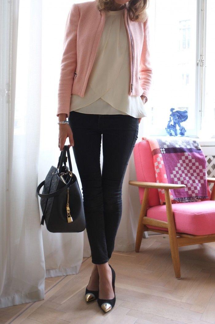 Jacket: Zara, jeans: Frame Denim, bag: Louis Vuitton Montaigne Empreinte GM, pumps: Givenchy
