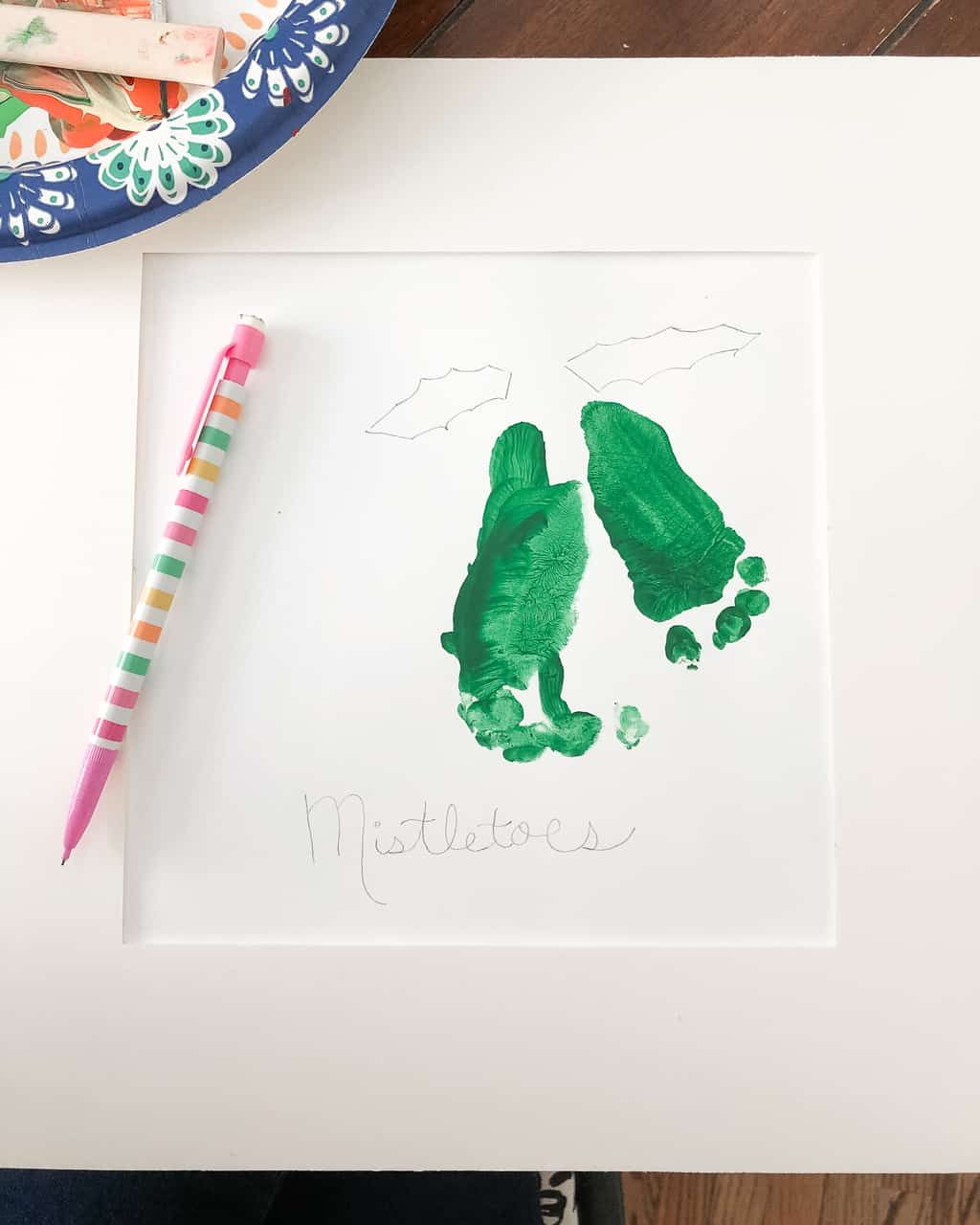 Mistletoe Footprint Art for Grandparents - Christmas Gifts - #mistletoesfootprintcraft