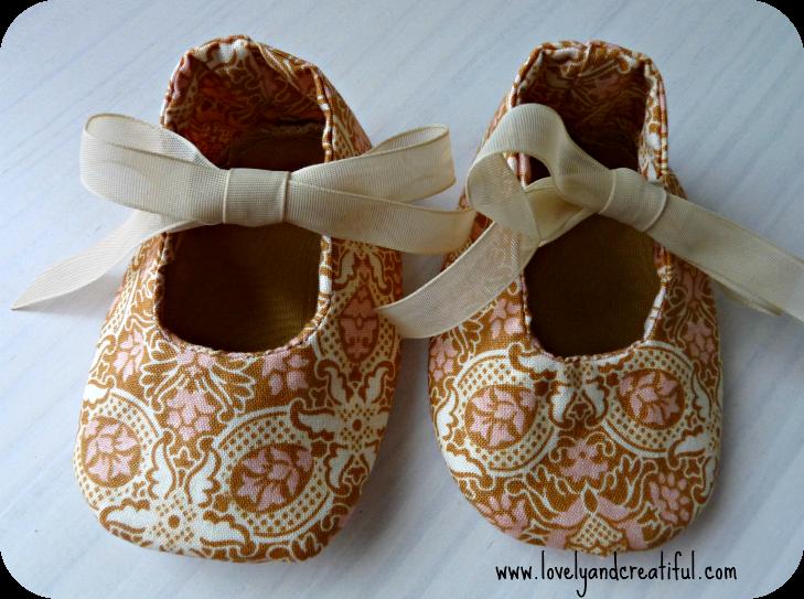 Si quieres hacer unos zapatos para bebe de tela aca - Zapateros de tela ...