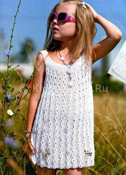Вязание спицами и крючком платья для девочек 781