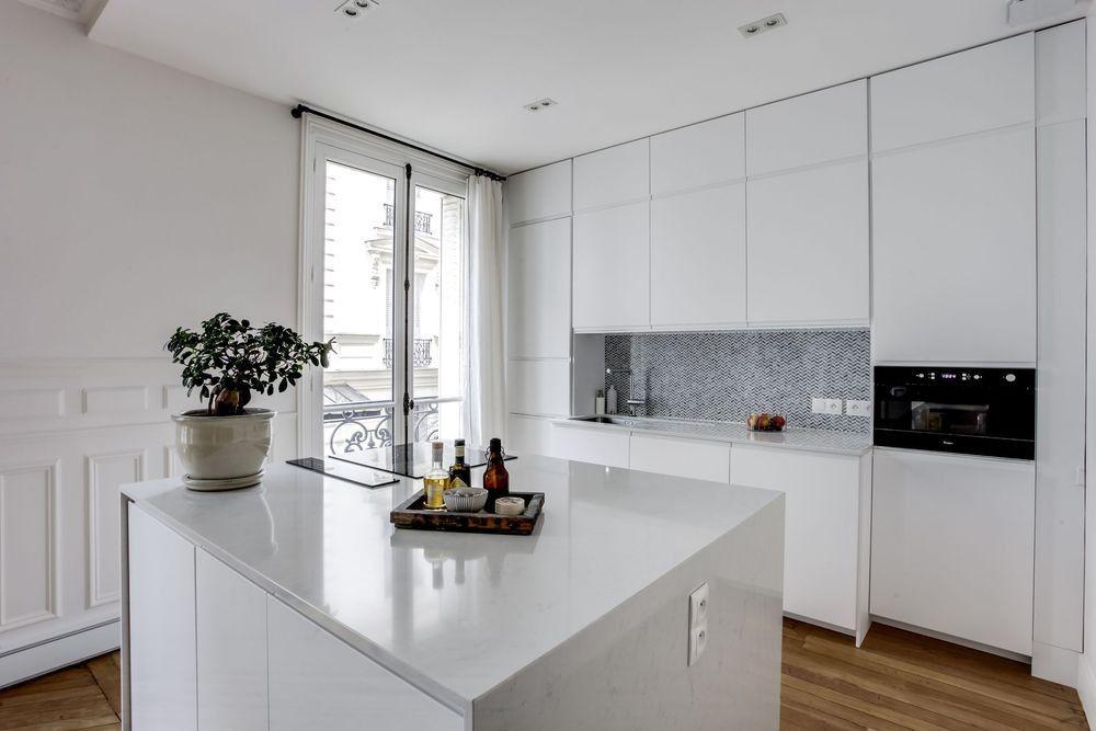 Idees Cuisine Caissons Et Facades Ikea Voxtorp Et Plan De Travail Marbre Cuisine Moderne Cuisines Maison Decoration Cuisine