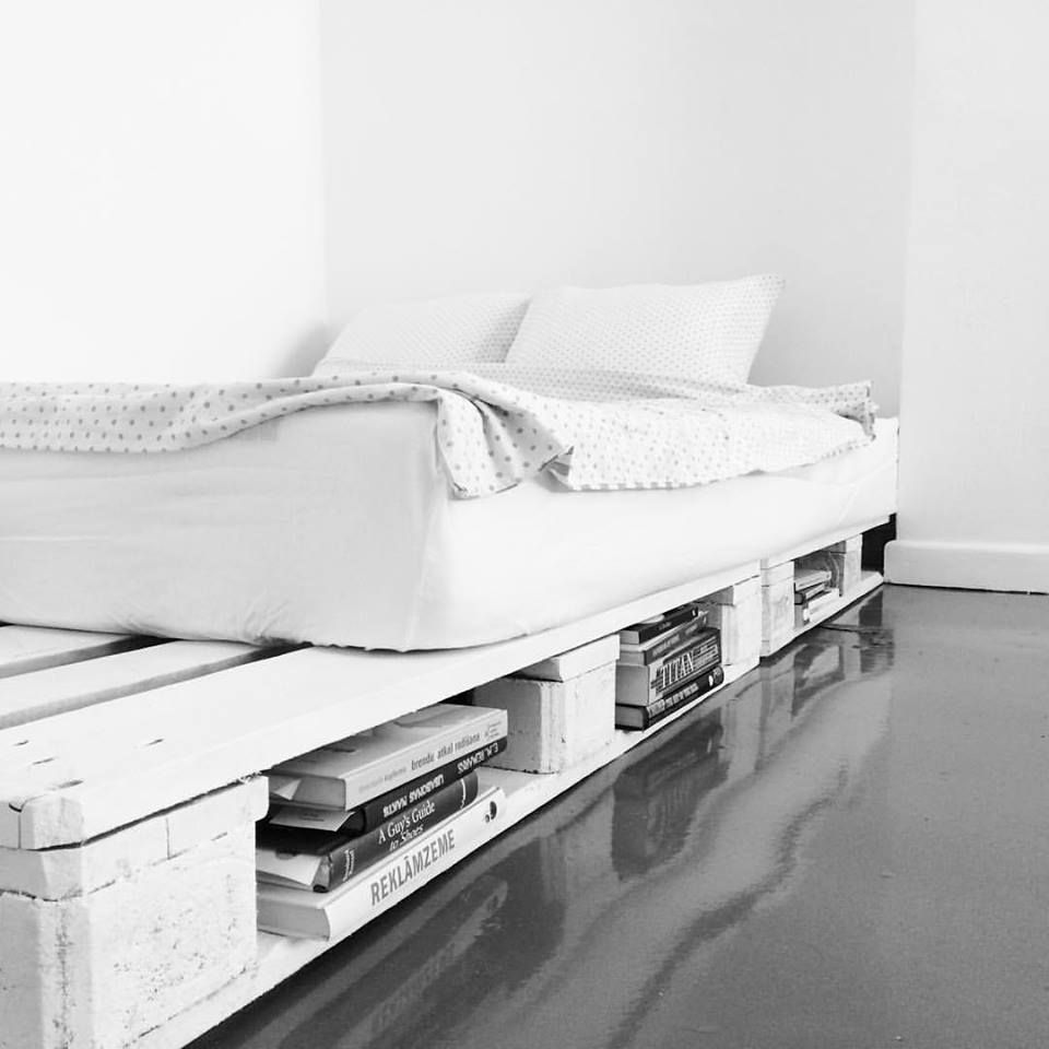 my white pallet bed at home i i i i 3 pinterest pallets