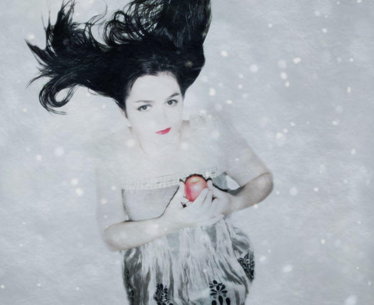"Melissa Gaggiano photography ""Snow White Reboot"""