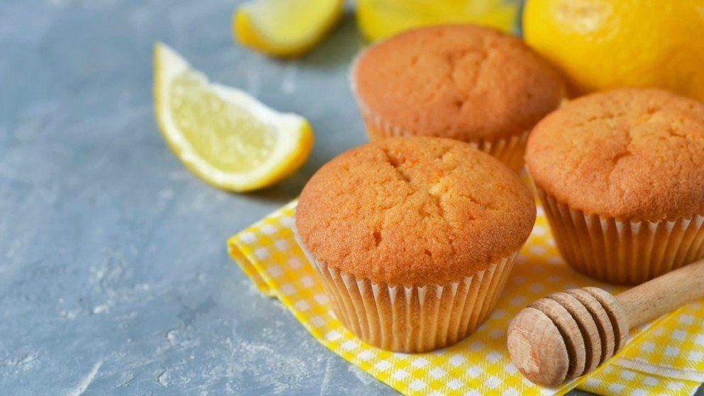 Receta De Magdalenas Sin Huevo Más Ligeras Y Saludables Recette En 2020 Muffins Citrons Recette Muffin Citron Citron Miel