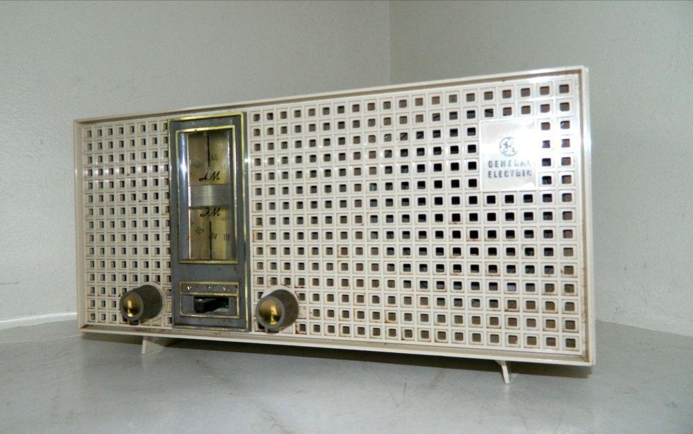 Vintage GE General Electric Tube Radio Model T-2300 Works