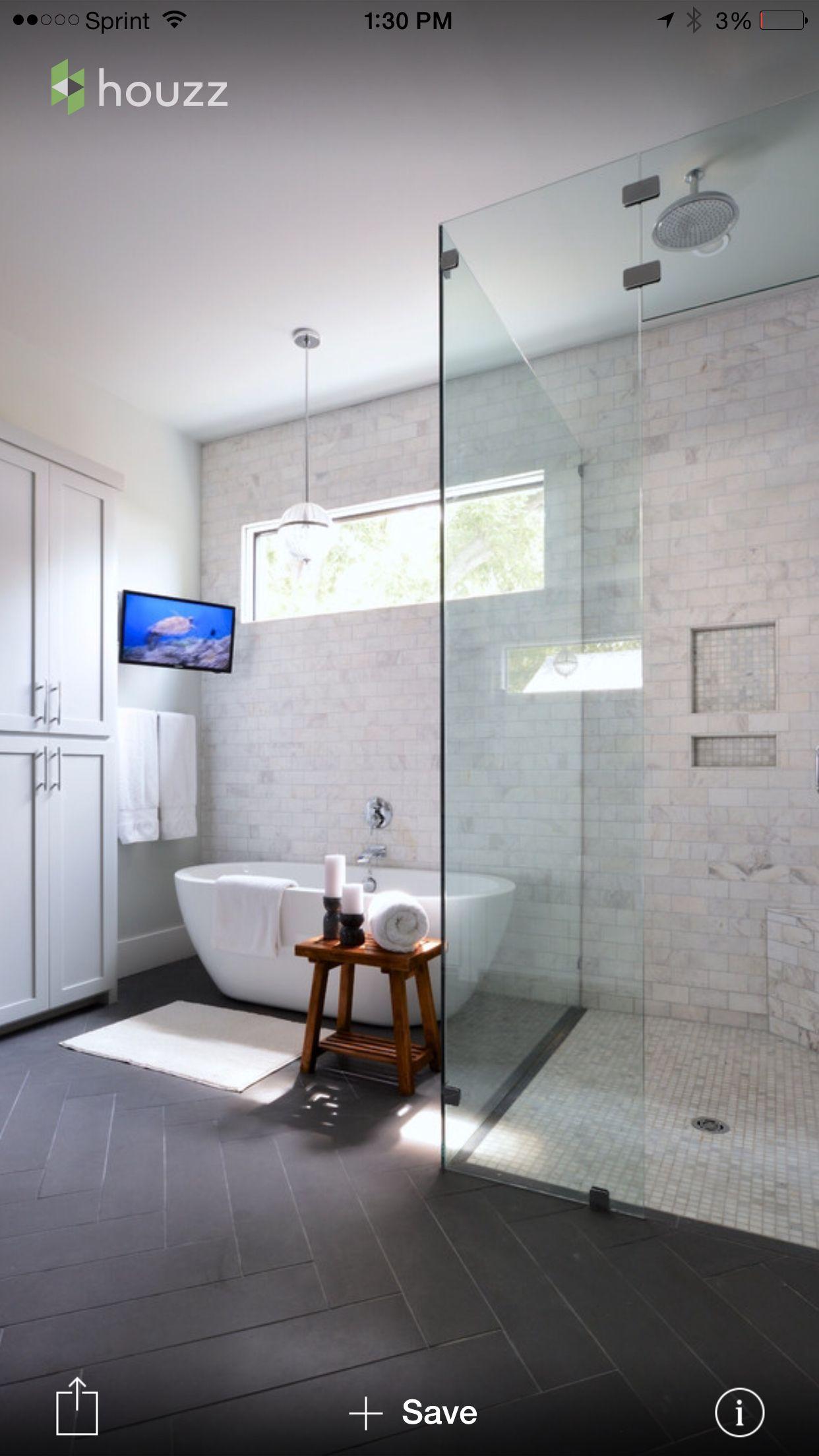 Light walls and tile, dark floors | Inspiration salle de bain ...
