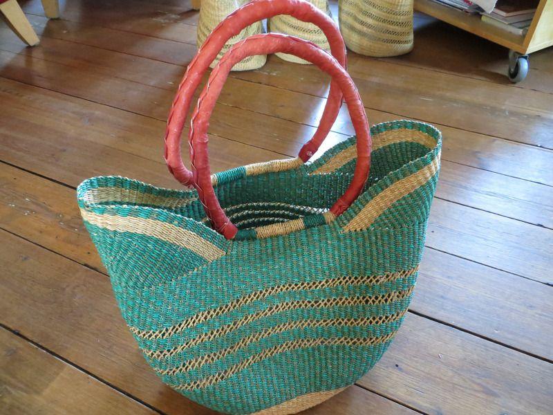 Bolga-Korb U-Form natur/grün von African-Handmade auf DaWanda.com