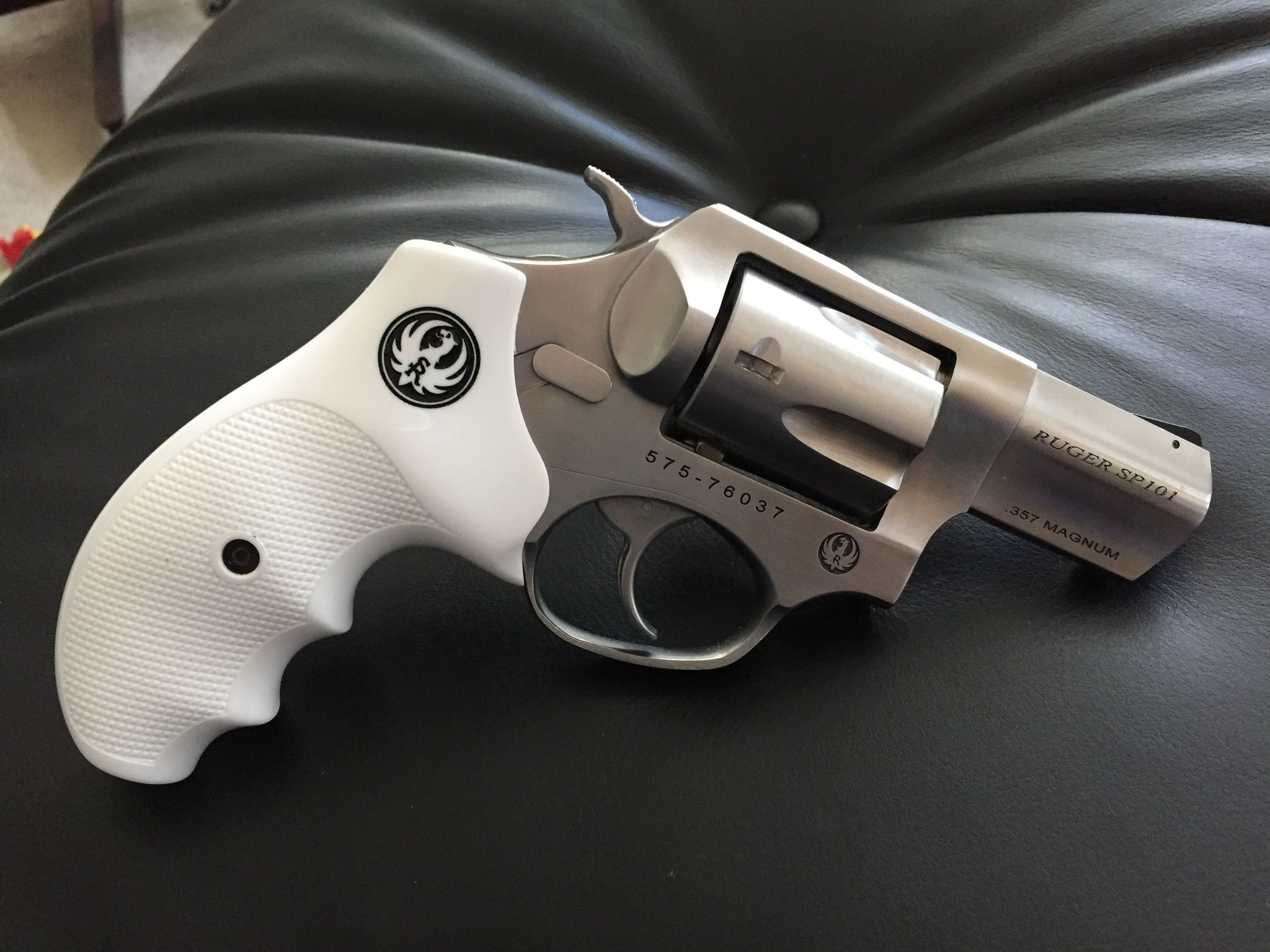 Save those thumbs | Ruger 9mm speed loader | Pinterest ...