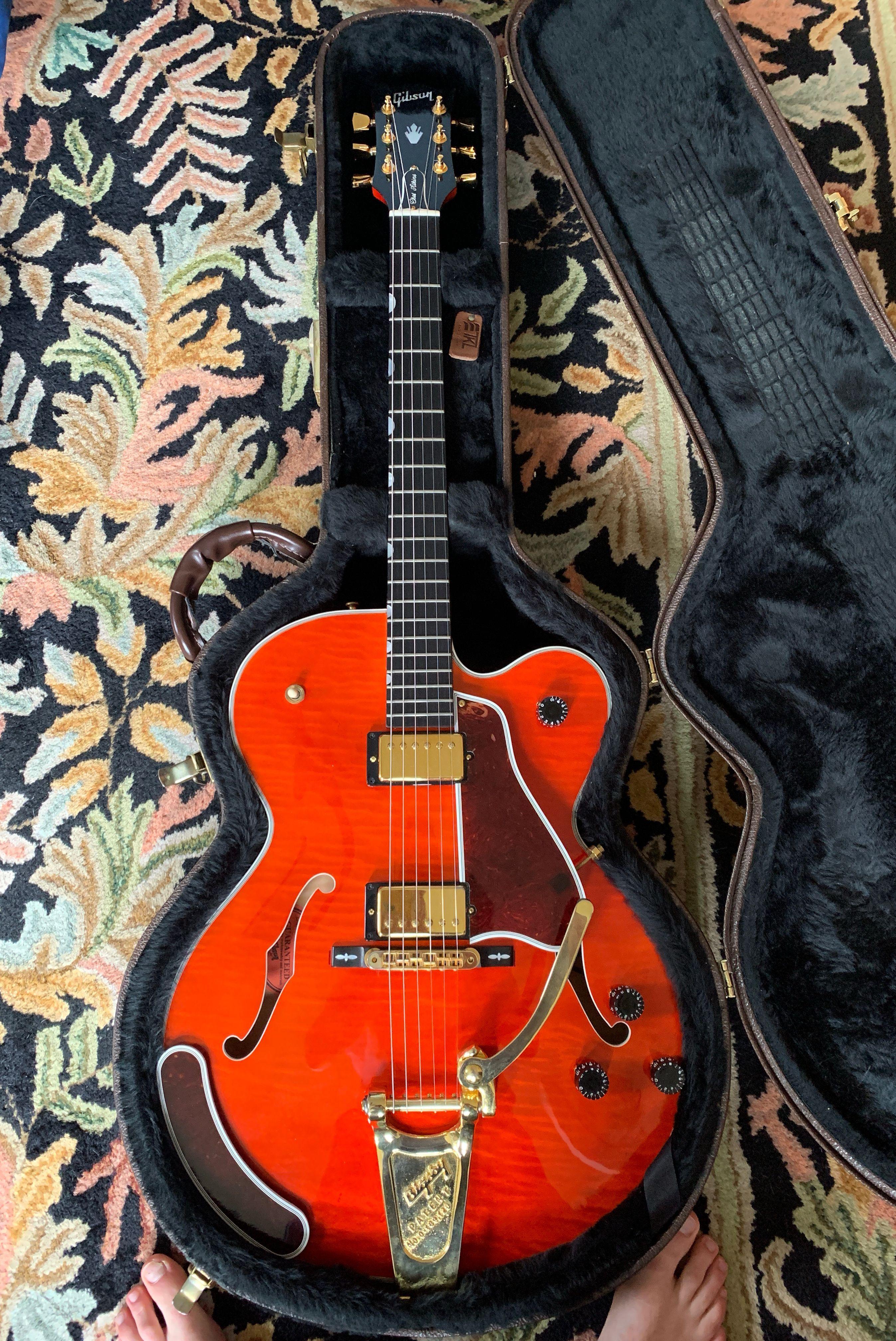 Gibson Country Gentleman 2003 Orange Sunrise Dan S Gear Depot Reverb Electric Guitar And Amp Gibson Guitars Beautiful Guitars