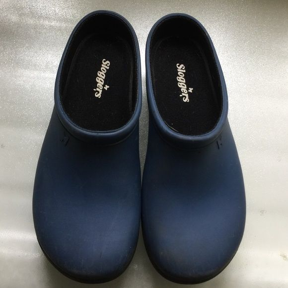 Sloggers outdoor wet proof clogs, Dark Blue SZ 8 Excellent condition, worn a few times so a few minor signs of wear......wonderful for gardening, walking the dog or out in the rain. SZ 8 Made of thick rubber Sloggers Shoes Mules & Clogs