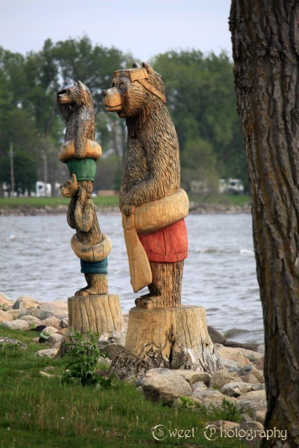 Bears in storm lake iowa many beautiful wood carvings