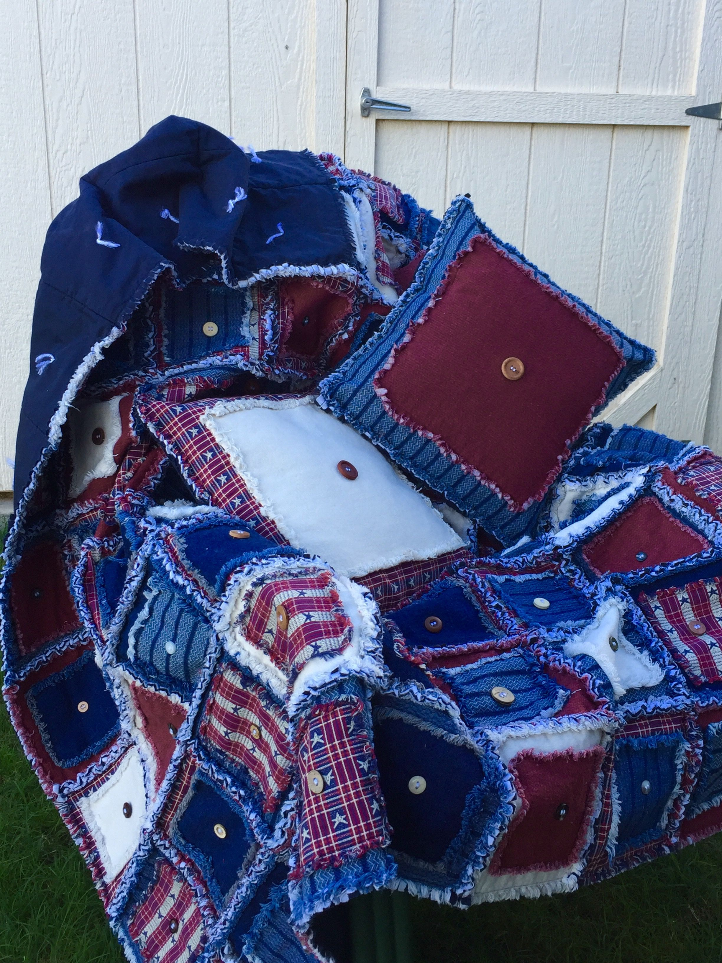 Americana rag quilt and throw pillows