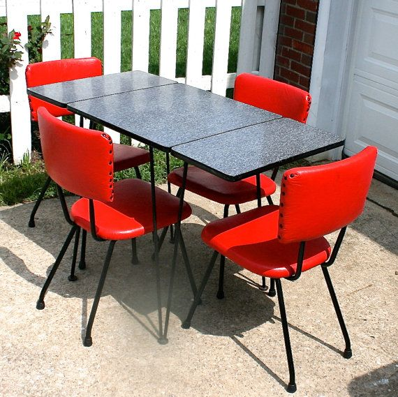 Vintage retro dinette set made by Hoffman Table pany of Chicago