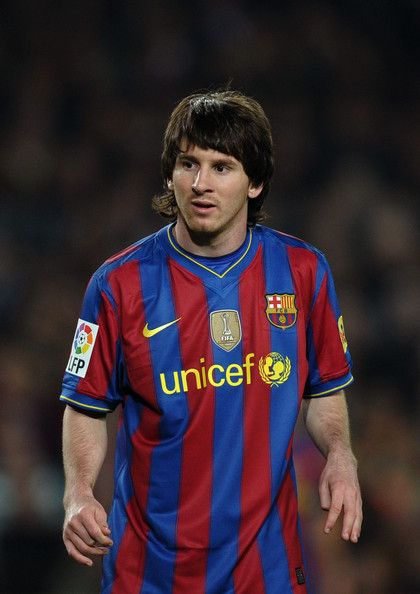 Lionel Messi Moptop - Lionel Messi is known for his signature long hair.  Messi 10 059d95165276f