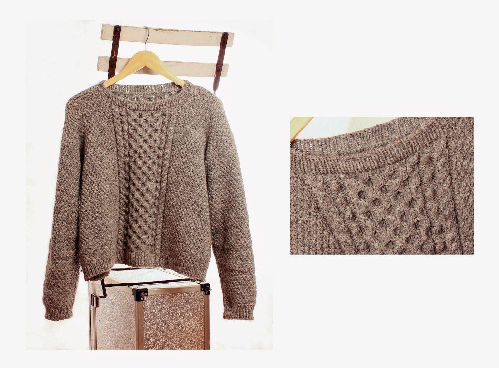 Handarbeiten macht glücklich: Pullover mit Dreieckstuch in grau mit einem Tick r...