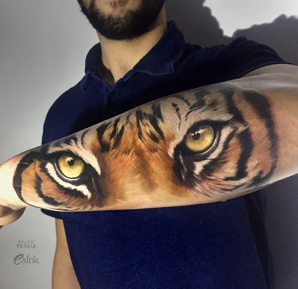 Tiger Eyes Tattoo By Bruno Perdiz Tattoos Tatuaje De Tigre