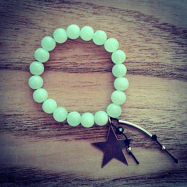 Perlas de vidrio y dije #Estrella.